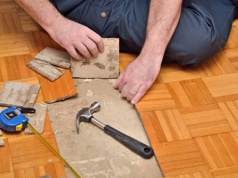 Comment Enlever Colle Carrelage Sur Chape comment enlever un carrelage de sol ? | leroy merlin