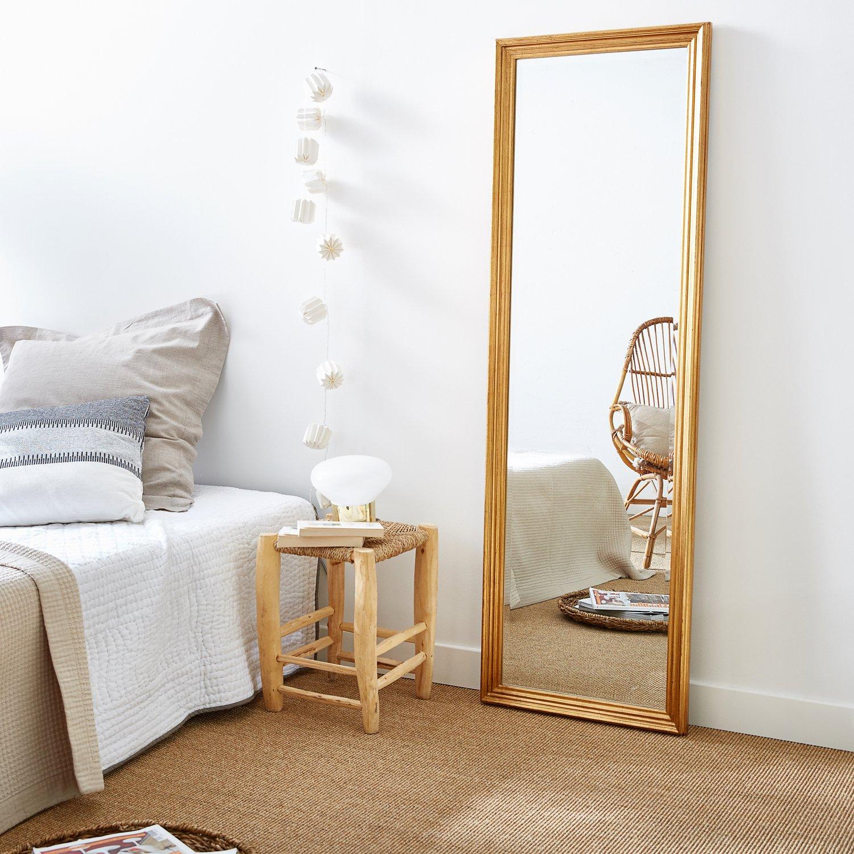 Grand Miroir D Entrée un grand miroir, pour créer une sensation d'espace dans
