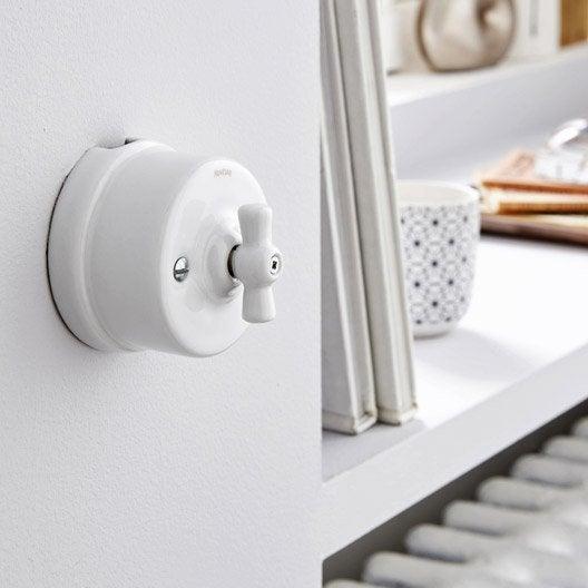 interrupteurs et prises fontini s rie garby blanc beige. Black Bedroom Furniture Sets. Home Design Ideas