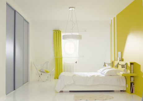 Du jaune pour une chambre éclatante
