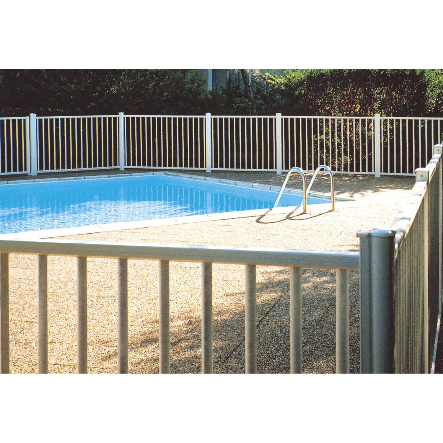 Barri re pour piscine aluminium issambres blanc 9010 h for Cloture piscine