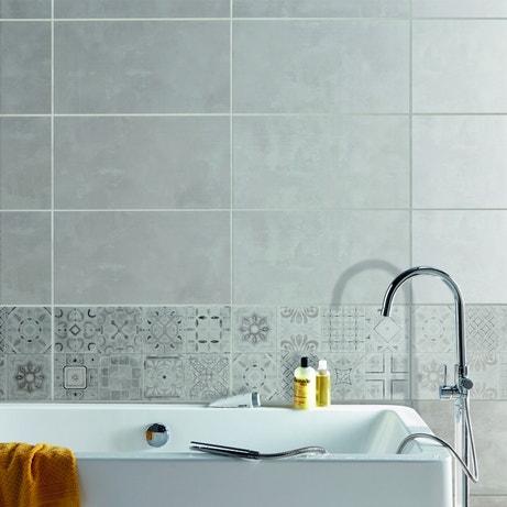 Les carreaux de ciment pour la salle de bains