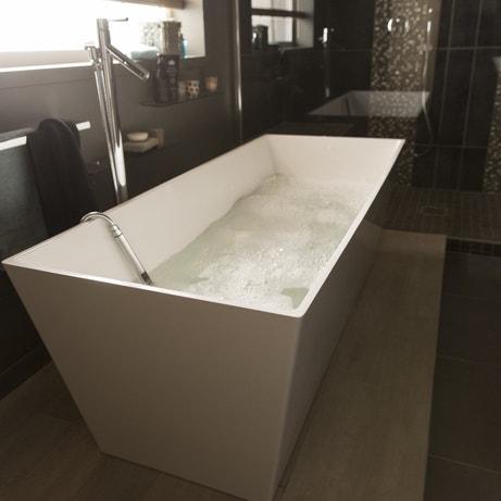 Equiper la salle de bains d'une baignoire îlot