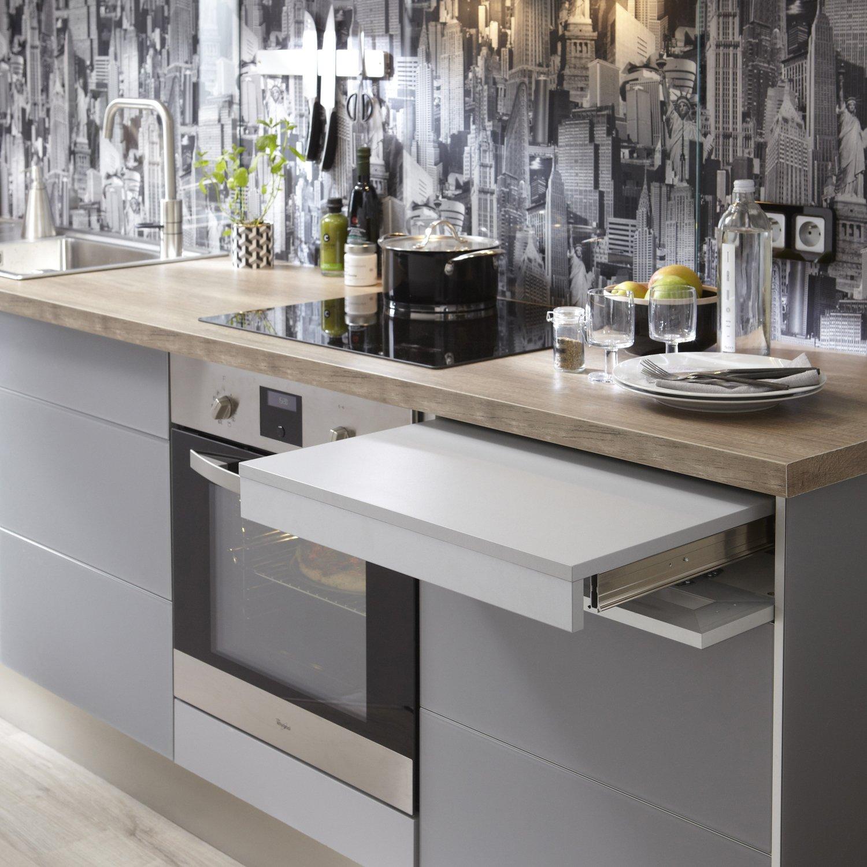 meubles de cuisine fonctionnels avec une planche escamotable leroy merlin. Black Bedroom Furniture Sets. Home Design Ideas