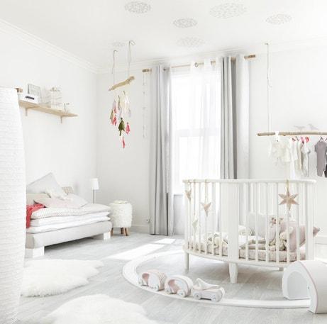 Une chambre de bébé bien accessoirisé