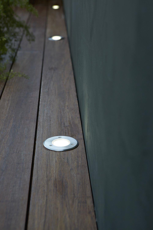 Lames De Bois Exterieur spots encastrés dans les lames de terrasse bois   leroy merlin