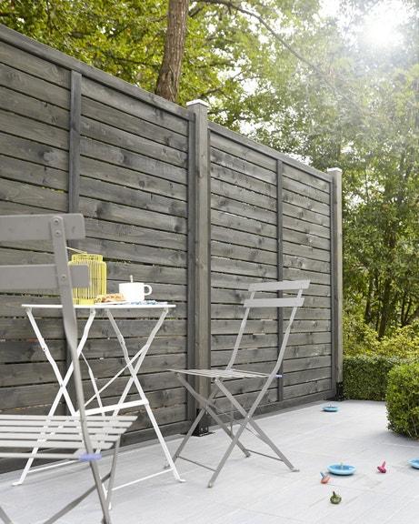 Un aspect naturel pour votre clôture de jardin