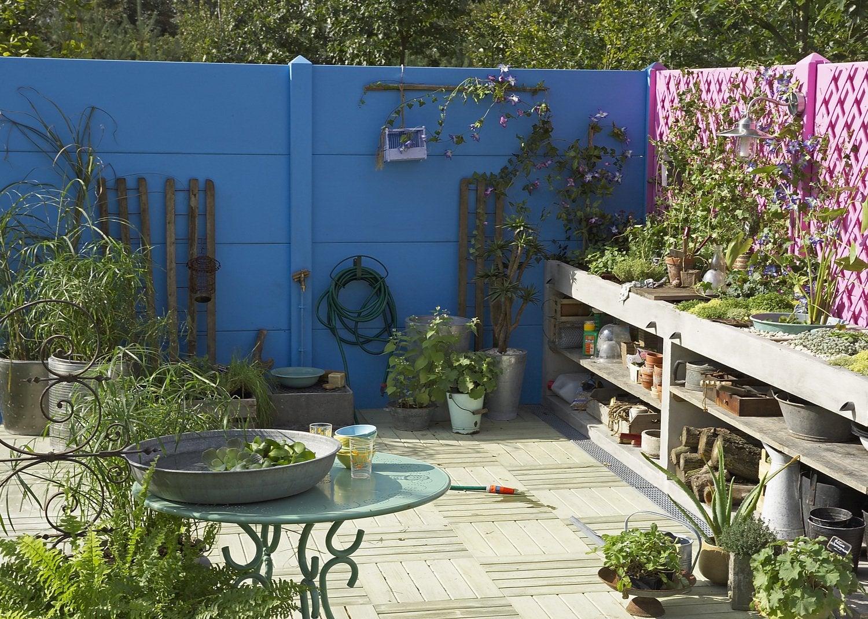 Une terrasse en bois au milieu du jardin leroy merlin - Deco et jardin ...