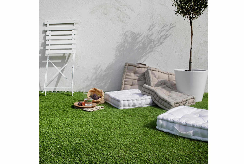 comment choisir son gazon synth tique leroy merlin. Black Bedroom Furniture Sets. Home Design Ideas
