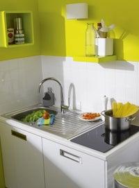 une cuisine bleue ouverte sur le salon leroy merlin. Black Bedroom Furniture Sets. Home Design Ideas