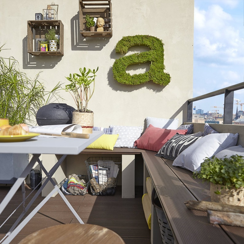des planches composite bois pour la terrasse leroy merlin. Black Bedroom Furniture Sets. Home Design Ideas
