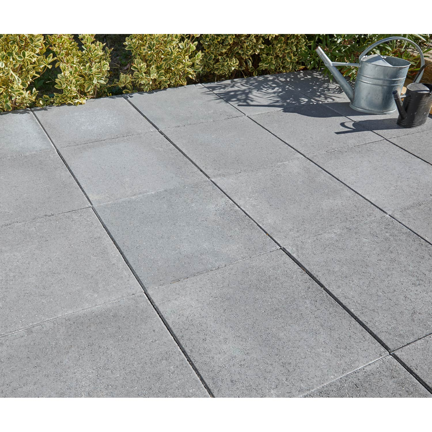 Dalle b ton proven ale gris fonc x cm x for Dalle beton finition quartz