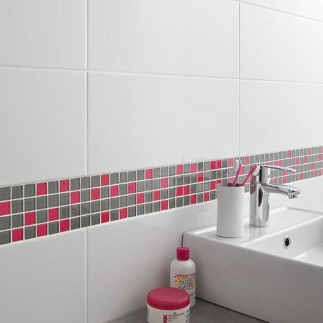 Carrelages de couleur dans les pi ces d 39 eau leroy merlin for Frise mosaique salle de bain