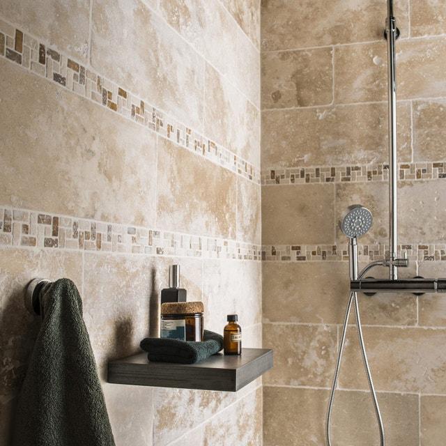 Un espace douche comme des bains romains | Leroy Merlin