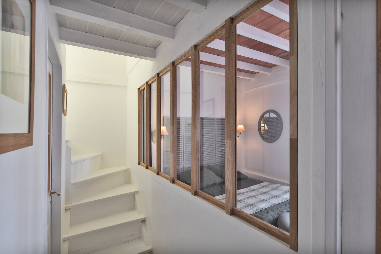zoom sur la verri re diy en tasseaux de ch ne d 39 yves castries leroy merlin. Black Bedroom Furniture Sets. Home Design Ideas