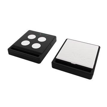 Télécommande  blanche et noire ECCO5 pour tout type de motorisation, NICE HOME