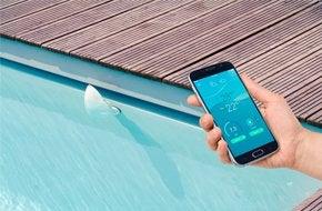 analyseur d 39 eau connect piscine flipr 1 leroy merlin. Black Bedroom Furniture Sets. Home Design Ideas
