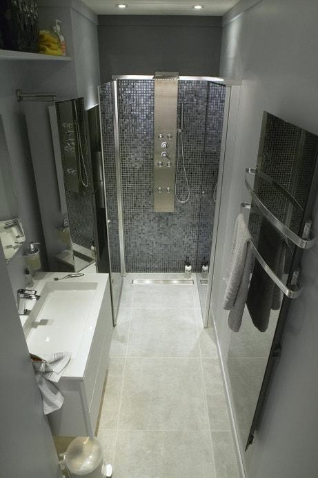 La douche se pare de mosaïque