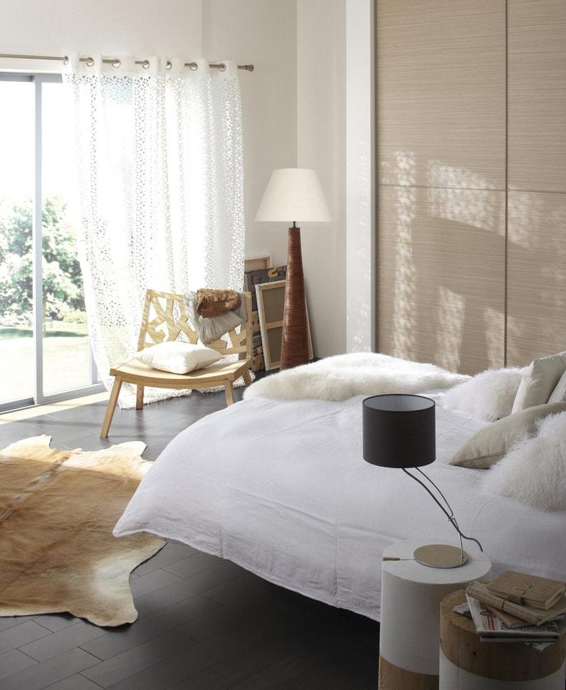des tables de chevet faciles poser leroy merlin. Black Bedroom Furniture Sets. Home Design Ideas