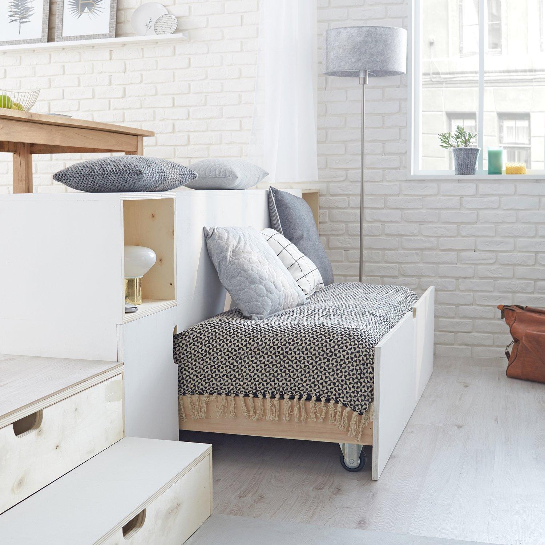 d ploy moiti il se transforme en canap leroy merlin. Black Bedroom Furniture Sets. Home Design Ideas