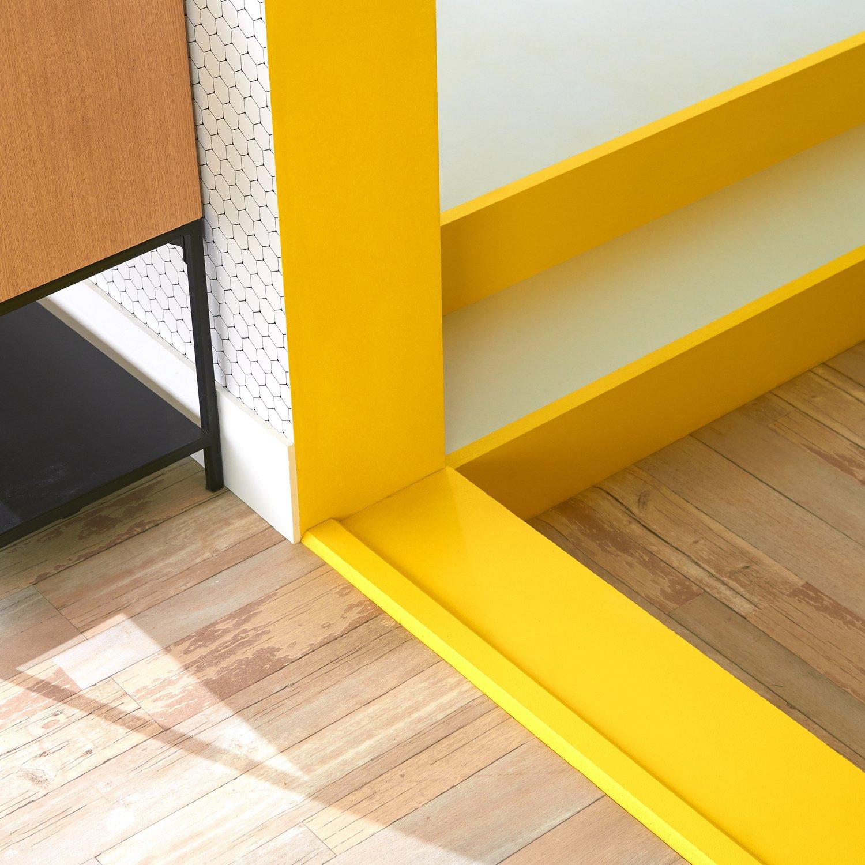 une peinture phosphorescente pour ne pas tomber leroy merlin. Black Bedroom Furniture Sets. Home Design Ideas