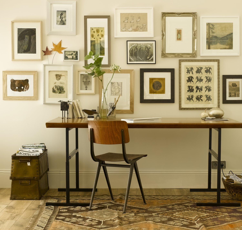 des cadres en bois et en bronze pour accrocher sur les murs leroy merlin. Black Bedroom Furniture Sets. Home Design Ideas
