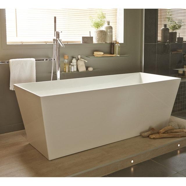 Une baignoire îlot pour une salle de bains contemporaine | Leroy Merlin