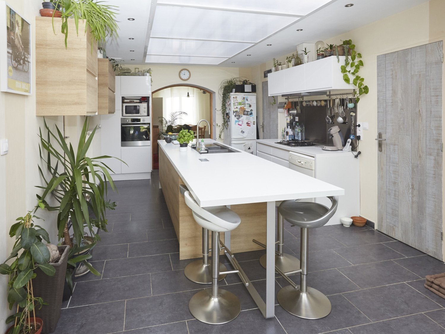 Stunning vos ralisations de cuisines with cloison style for Cloison coulissante style atelier