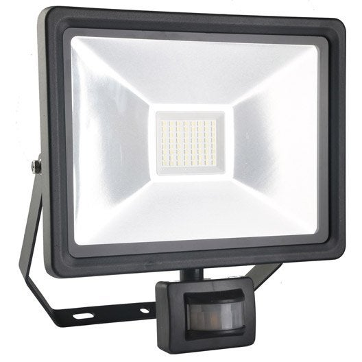 Projecteur ext rieur eclairage jardin leroy merlin for Projecteur a led exterieur