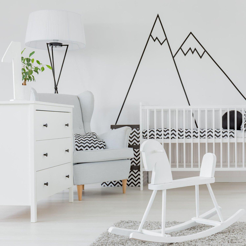Les Murs De La Chambre De Bebe En Blanc Et Noir Pour Un