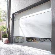 Pose d'une porte de garage sectionnelle Artens Essentiel