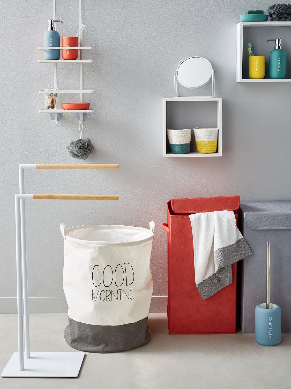 esprit scandinave pour les accessoires de la salle de bains leroy merlin. Black Bedroom Furniture Sets. Home Design Ideas