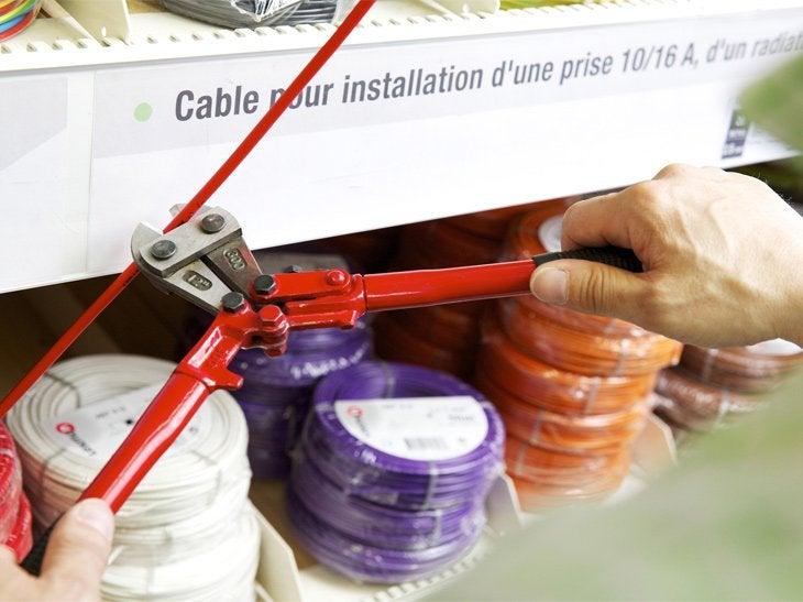 Les câbles électriques sont vendus au mètre.