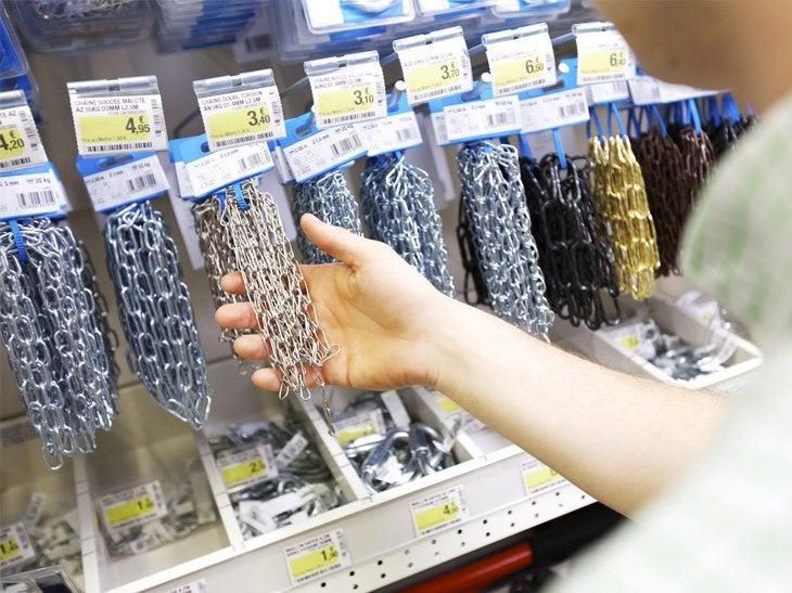 Des chaines ou chaînettes déjà découpées sont à votre disposition.
