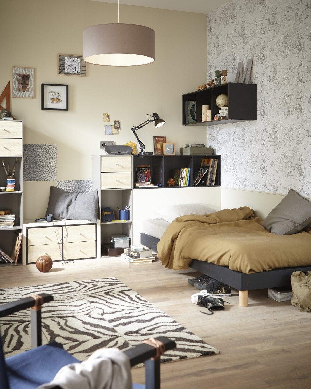 habillez le mur de la chambre d 39 ado avec ce papier peint planisph re leroy merlin. Black Bedroom Furniture Sets. Home Design Ideas