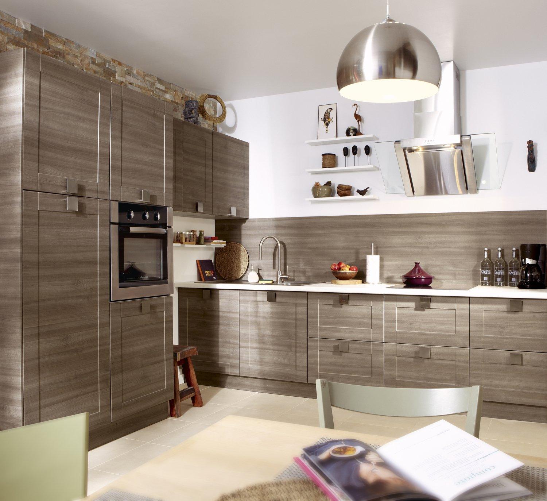 une cuisine en ch ne leroy merlin. Black Bedroom Furniture Sets. Home Design Ideas