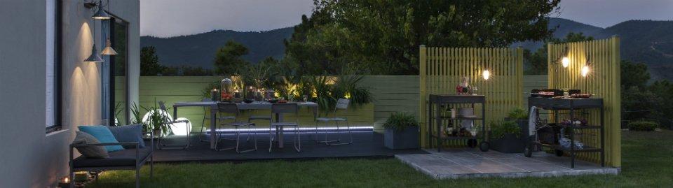 Bien clairer votre jardin la nuit leroy merlin for Luminaire pour jardin