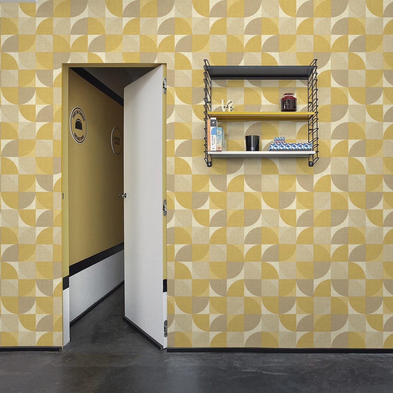 papier peint vinyle rosalie jaune moutarde papier peint intiss encollage sur le mur. Black Bedroom Furniture Sets. Home Design Ideas