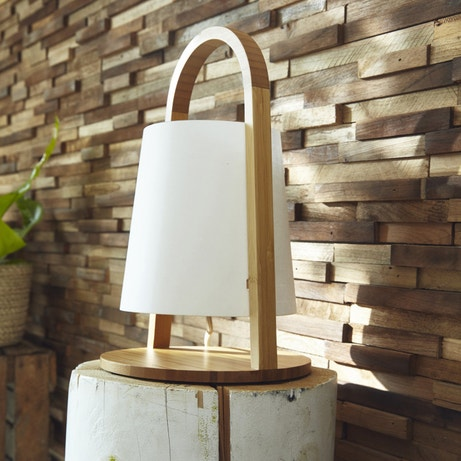 Une lampe à poser au design scandinave