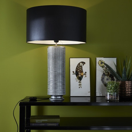 Lampe de salon à la base argentée