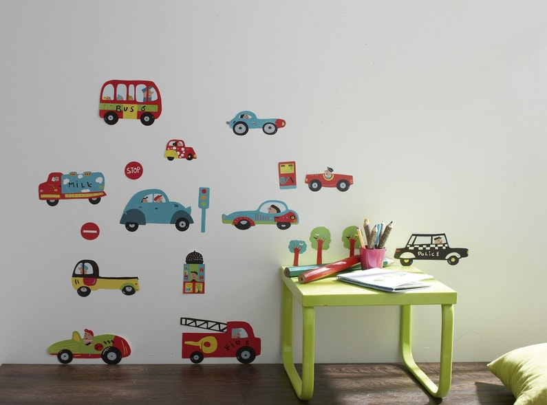 des stickers muraux motifs petites voitures pour enfants leroy merlin. Black Bedroom Furniture Sets. Home Design Ideas