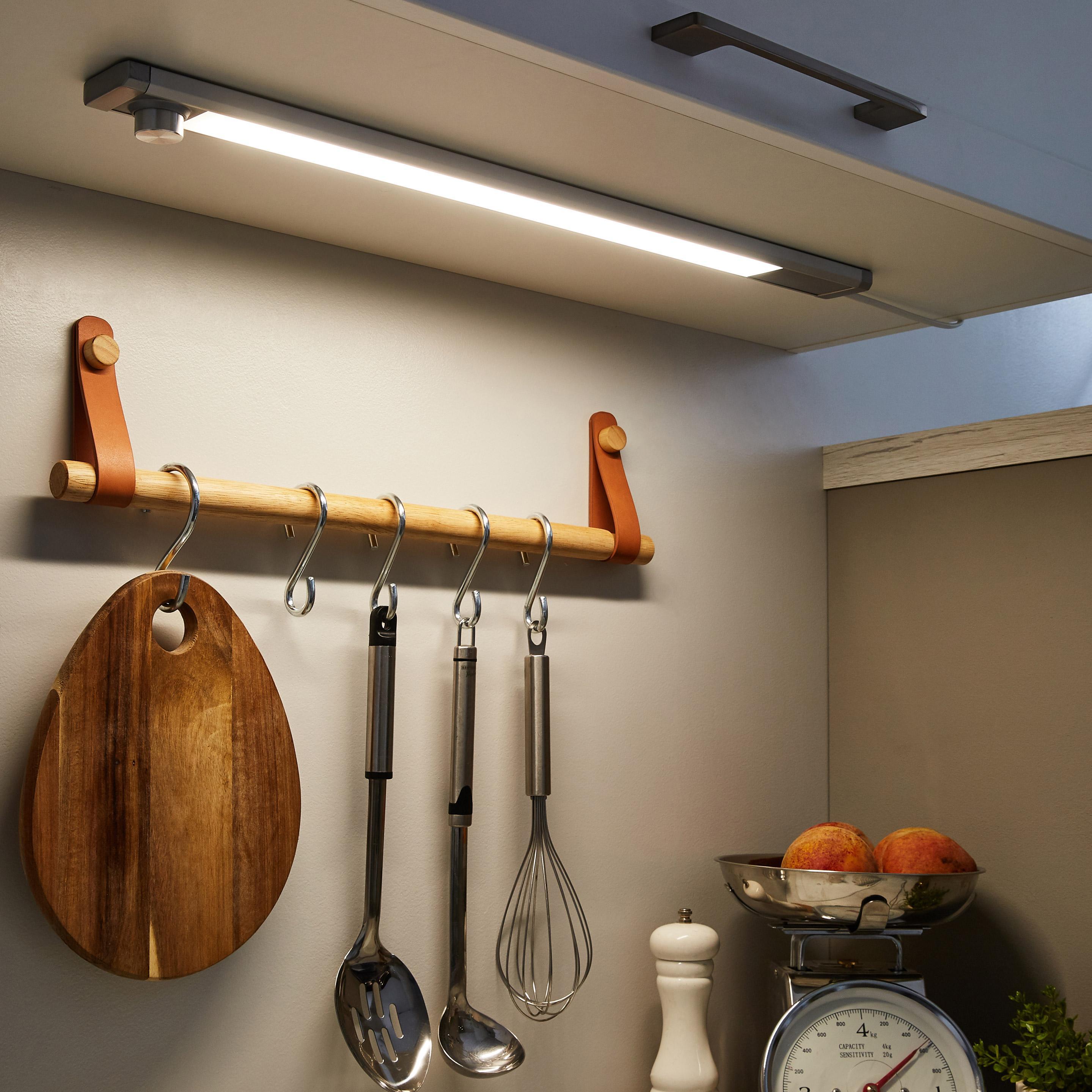 Réglette LED intégrée, 1 x 8 W, changement blanc chaud à blanc froid, blanc