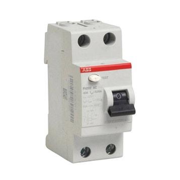 Disjoncteur, coupe-circuit et interrupteur différentiel - Triphase ... 9045042332c1
