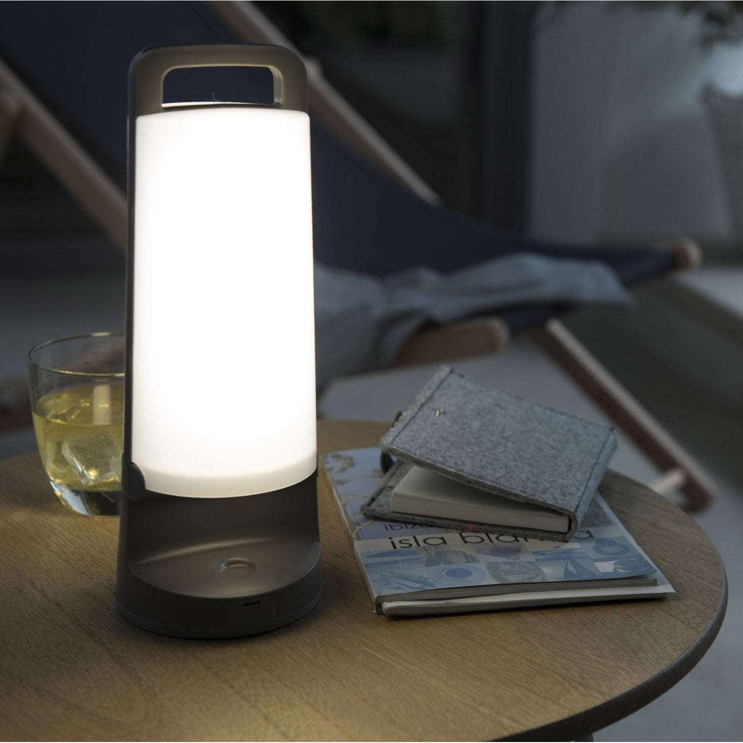 lampe solaire yuma 180 lm gris inspire leroy merlin. Black Bedroom Furniture Sets. Home Design Ideas