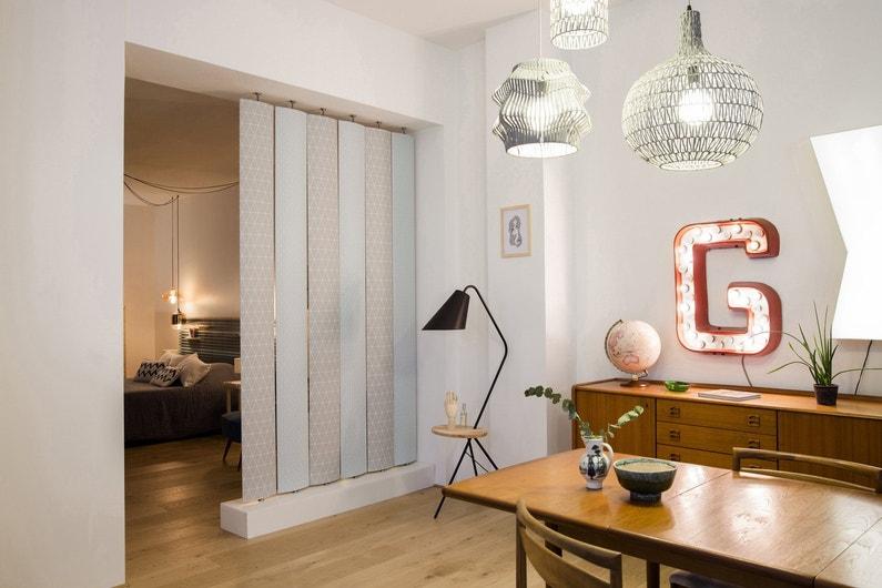 deux espaces en un avec des lames orientables contemporaines leroy merlin. Black Bedroom Furniture Sets. Home Design Ideas