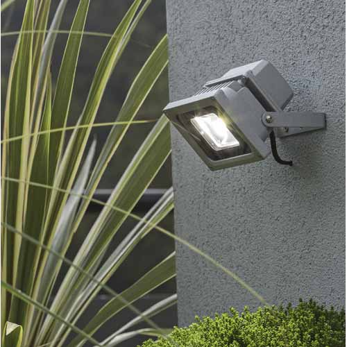 Eclairage ext rieur leroy merlin for Lumiere exterieur design