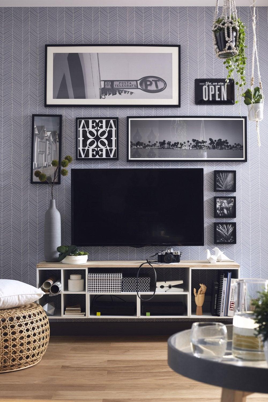 des cadres en noir et blanc pour décorer votre salon | leroy merlin