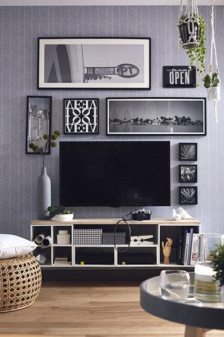 Des cadres en noir et blanc pour décorer votre salon