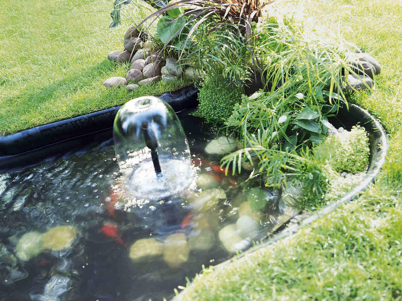 Comment installer un bassin sur bâche ? | Leroy Merlin
