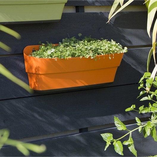 jardini re r serve d 39 eau grosfillex x x. Black Bedroom Furniture Sets. Home Design Ideas